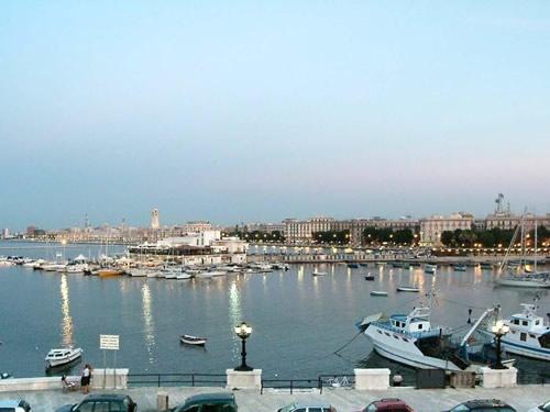 Il porto di Bari